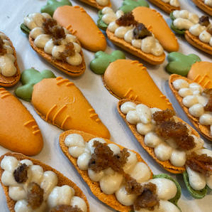 Carrot Cake Macs.jpg