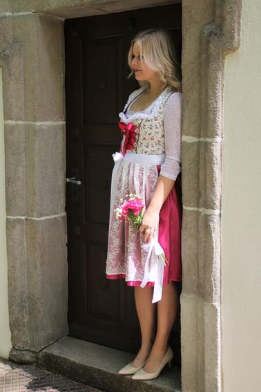 """Herz & Tracht: La Duchesse Dirndl """"Weiße Himbeere"""""""