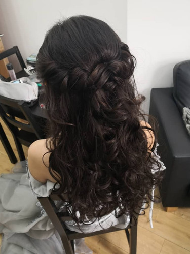 Zoe's pre-wedding hair style.