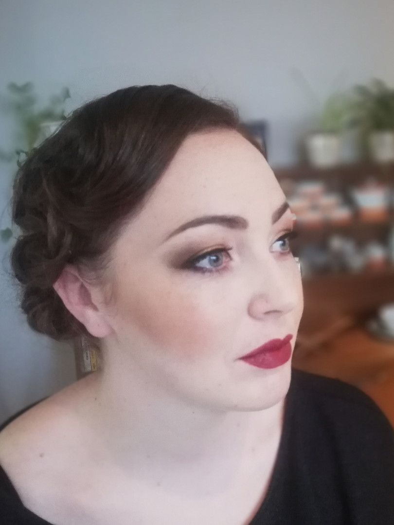 Gatsby 1920's makeup look.