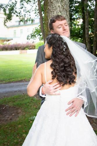 Na & her husband on their wedding day.