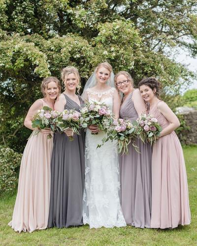 Sarah & her bridesmaids.
