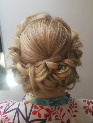 1930's inspired bridal hair twists