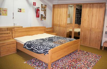 Schlafzimmer Erle teilmassiv