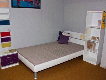 Jugendzimmer Weiß/Violett