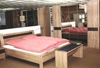 Schlafzimmer Eiche/ braun abgesetzt