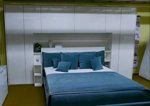 Moderne Bettbrücke