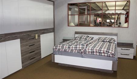 Schlafzimmer Hochglanz