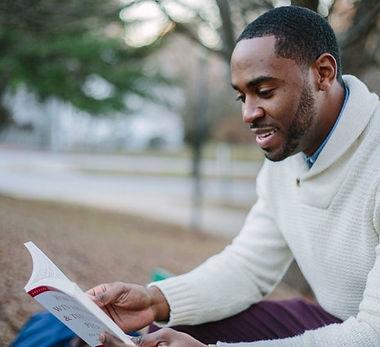 Man reading a book - 640x427.jpg