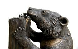 Jasper licking Honey - - detail - bronze resin