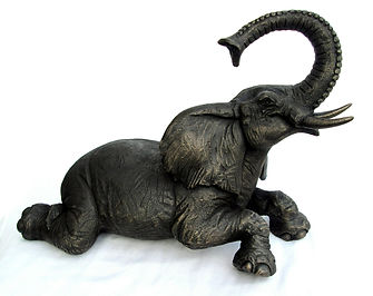 Elephant Fountain - bronze resin.JPG
