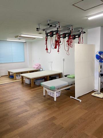 リハビリ室 中②.JPG