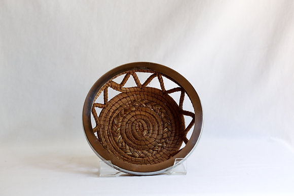 Small Round Basket with nickel