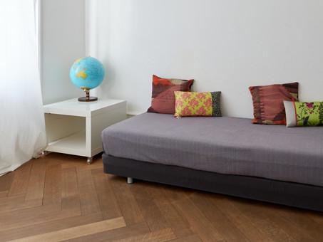 globe-sofa.jpg