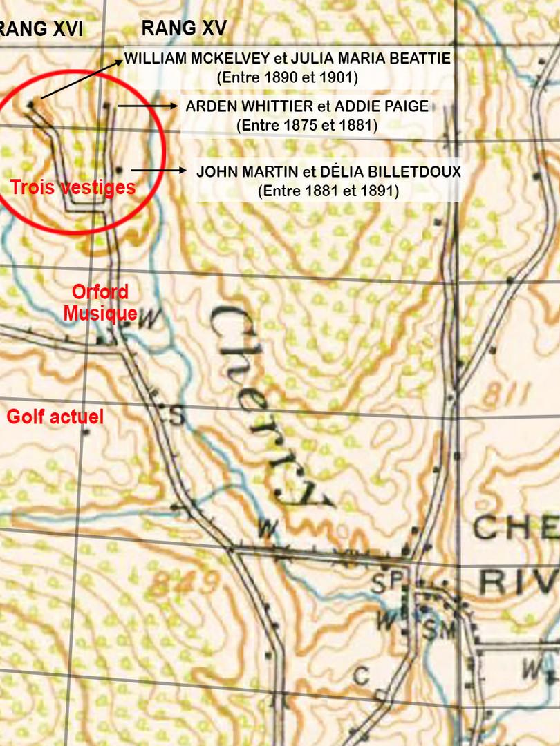 Carte topographique de 1917 (relevé de 1913). Dans l'encerclé rouge, les trois vestiges indiqués par des petits carrés noirs.