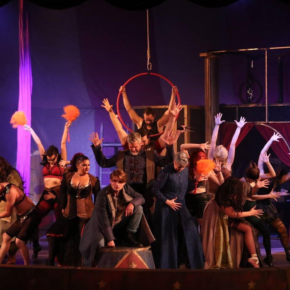 """Pippin's"" cast employs very Fosse-esque choreography"