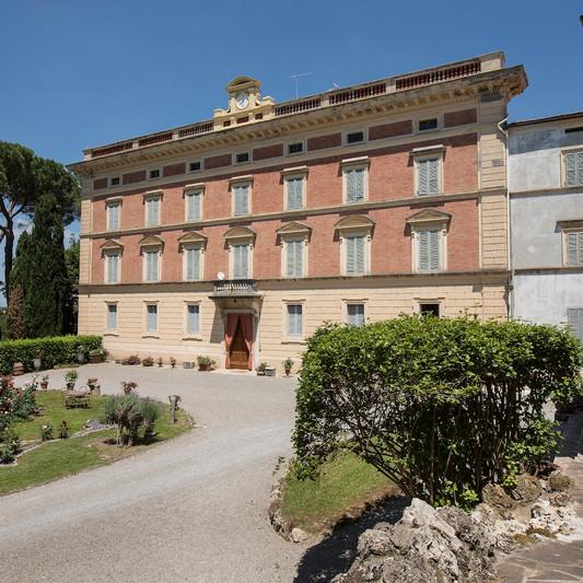 Facciata Villa.jpg