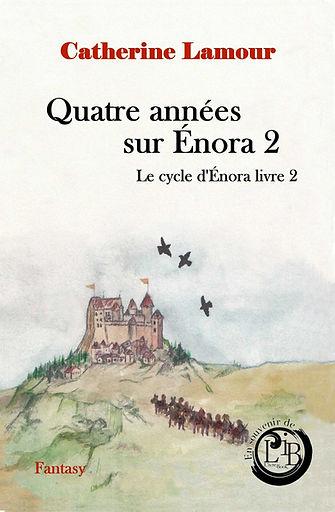 Couverture finalisée du tome 2 deuxième édition personnes allant vers un château et logo en souvenir de L'ivre Book