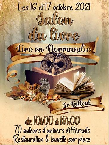 Affiche salon du livre Le Teilleul 16 et 17 octobre chouette à lunettes lisant un livre, souris et fruits d'automne
