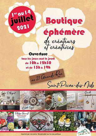 Affiche annonçant la boutique éphémère de créateurs et créatrices au 21 Grande-Rue à Saint-Pierre-des-Nids du 1er au 14 juillet ouverture tousles jours sauf jeudi de 10 h à 12 h 30 et de 15 h à 19 h. Photos des créations.