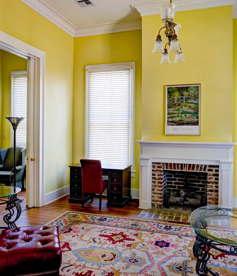blakely-living-room-1.jpg