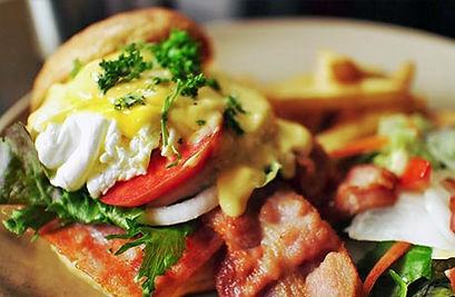 inn-breakfast.jpg