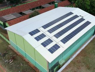 Projeto piloto: energia solar fará escola economizar R$ 3 mil por mês