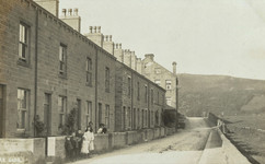 Aire Side and its mill, early 20th c.