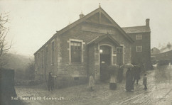 Main Street, Village Institute, perhaps on opening day in 1909.