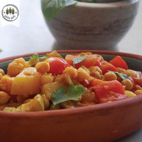קארי ירקות וגרגירי חומוס בסגנון הודי