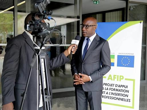 Cérémonie de signature des conventions entre l'Union européenne, JA Gabon, le CSP de POG et le lycée