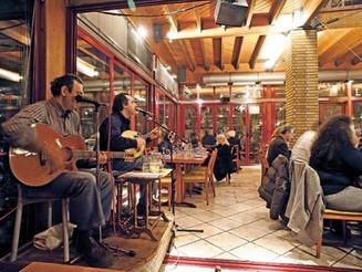 Καταργείται η άδεια για τη χρήση μουσικής και χρήση μουσικών στα καταστήματα υγειονομ. ενδιαφέροντος