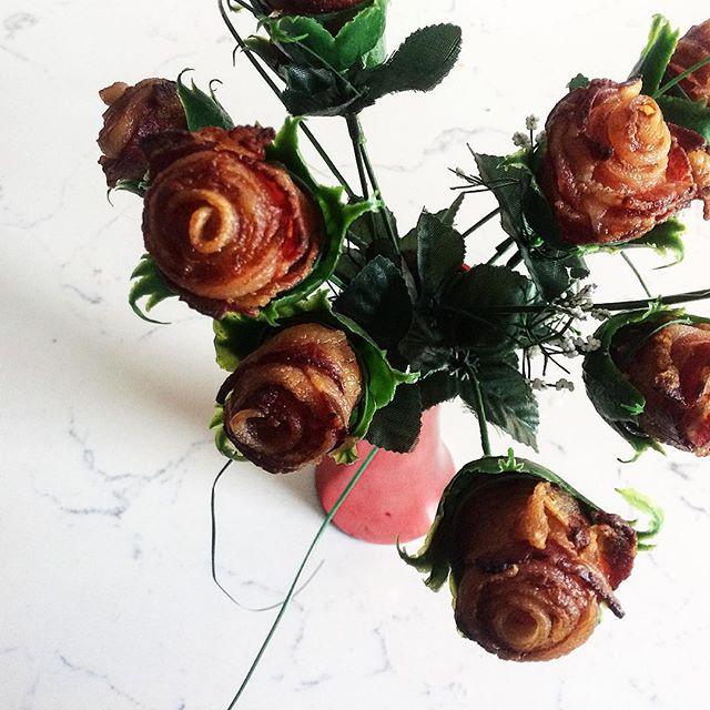 A dozen roses for my baby...jpg