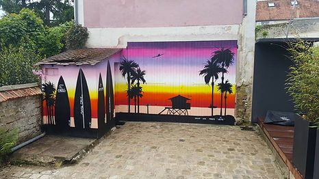 UR-78 artiste graffiti, deco graffiti sur porte de garage, coucher de soleil miami beach, tag, design et street art, UR-78 deco graffiti