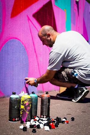 UR-78 artiste graffiti, deco graffiti pour la journée du patrimoine à Ecouen, cellograffiti, spray paint art, tag, design et street art, UR-78 deco graffiti