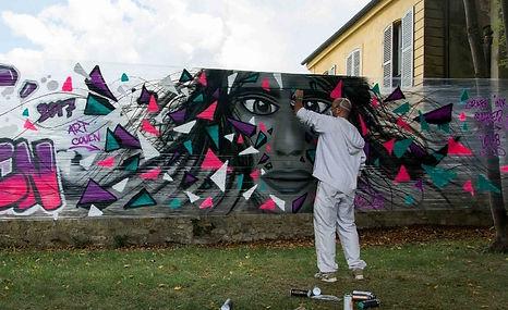 UR-78 artiste graffiti, deco graffiti pour la journée du patrimoine à Ecouen, cellograffiti, spray paint art, , tag, design et street art, UR-78 deco graffiti