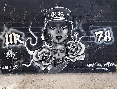 UR-78 artiste graffiti, portait noir et gris, tag, design et street art, UR-78 , street art, spray paint art, UR78 artiste graffiti,
