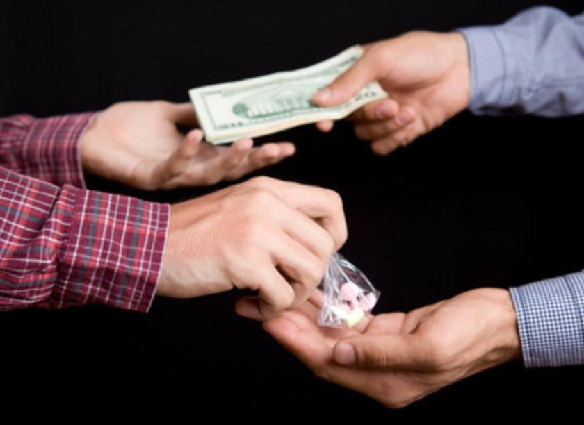 Суд признал проверочную закупку наркотиков провокацией и отпустил подсудимого