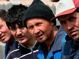 Мигрантов разрешили селить на складах и в строительных вагончиках