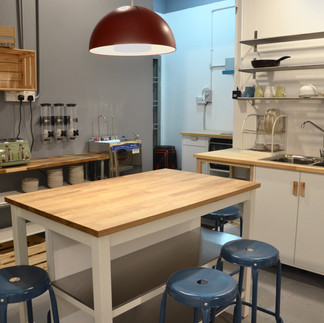 Faloe Hostel - Kitchen or Pantry