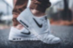 feet-1840619_1920.jpg