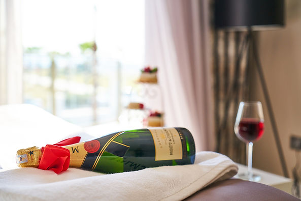 wine-3804526_1920.jpg