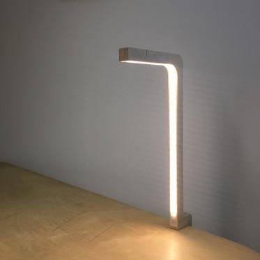 LAMPE LED QUI SE FIXE PARTOUT
