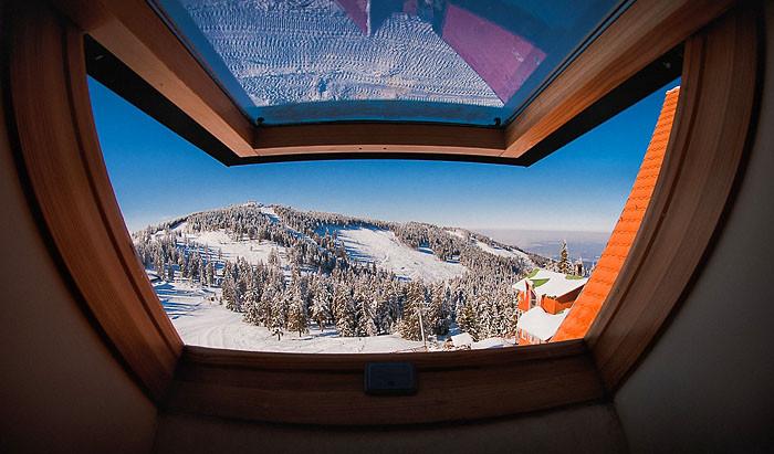 hilaro_snow_on_fire_sugo_pensiune_harghi