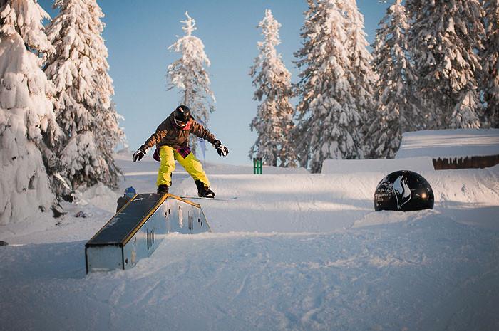 hilaro_snow_on_fire_04_ruxandra_brad_har
