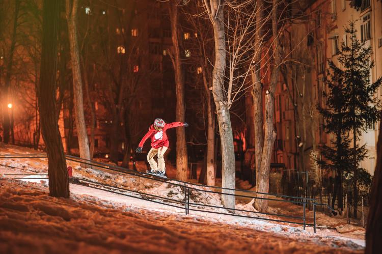 victor_barbulescu_urban_snowboarding.jpg