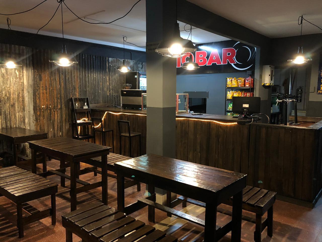 Bar + Ping pong