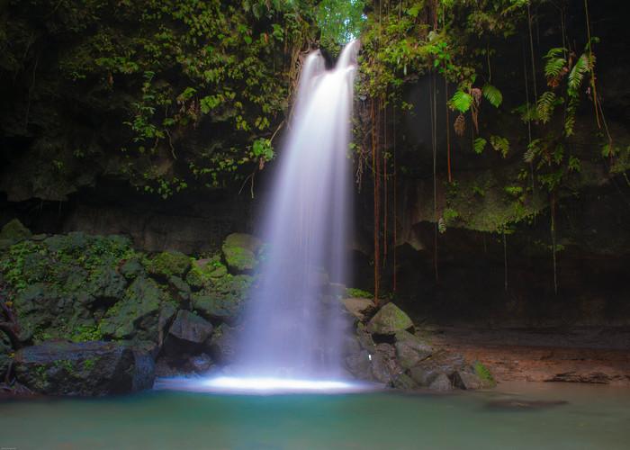 Fantastic-Waterfalls-to-Visit-in-the-Car