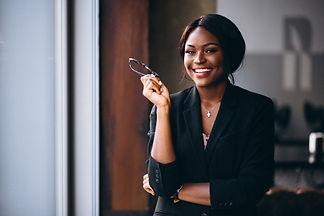 mulher-de-negocios-americano-africano-pe