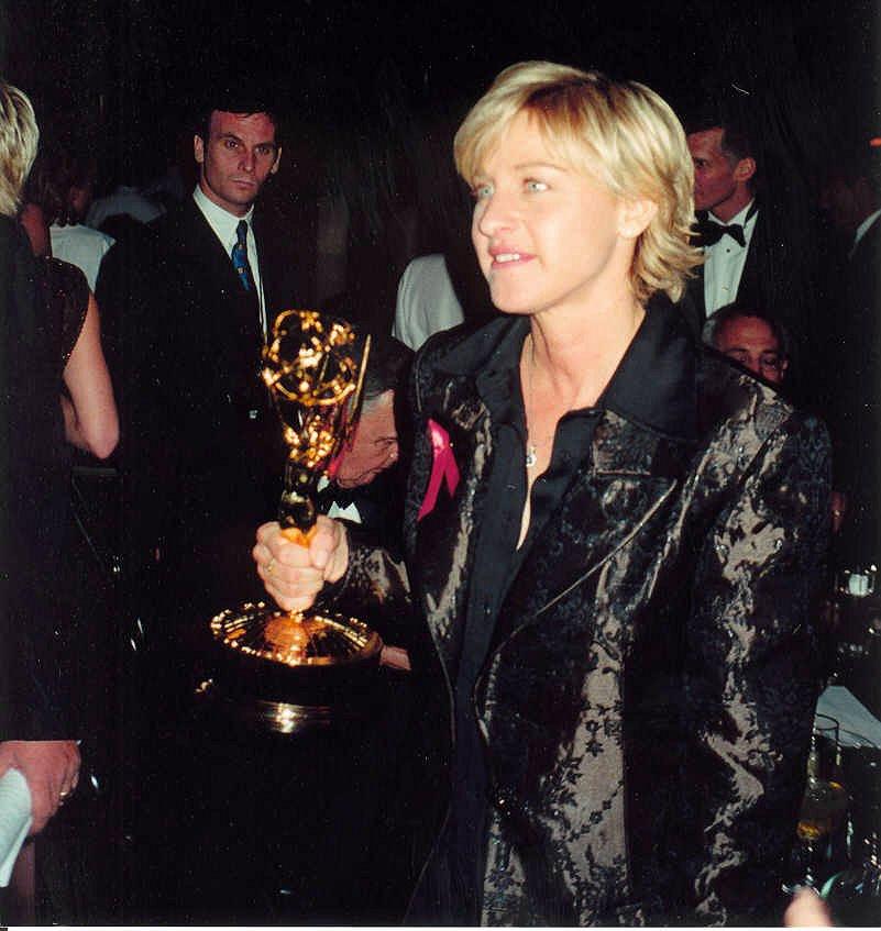 Ellen at 1997 Emmy Awards with her Emmy